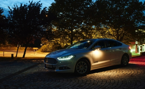 Ford Camera-Based Advanced Front Lighting System